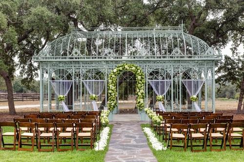 Caliterra 8 11 16 01 Image Via Themamaison A Rustic Dripping Springs Wedding Venue